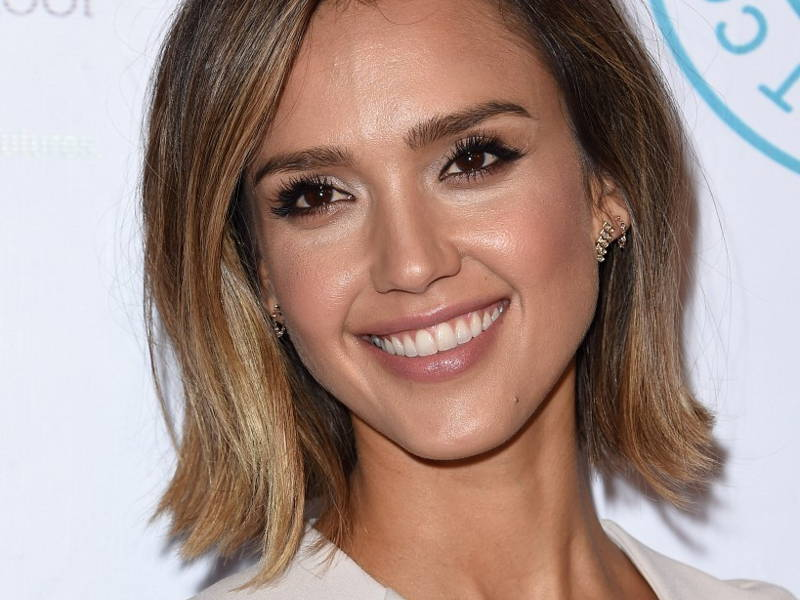 Jessica Alba heart shaped face