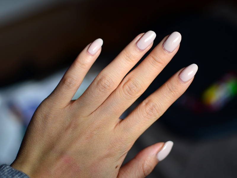 Feminine Neutral Nails