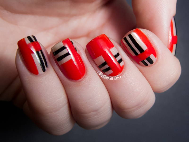 nail art red and black