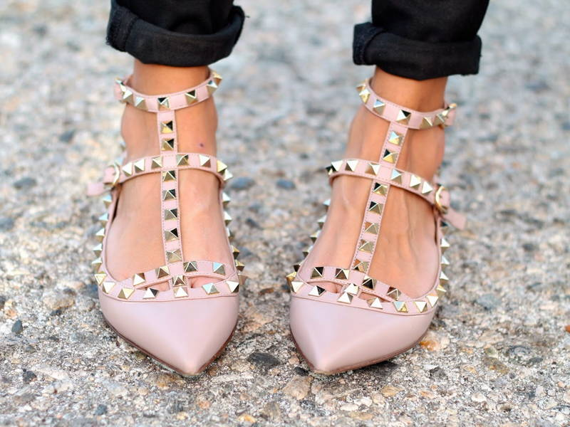 Rockstud Pointy-toed flats
