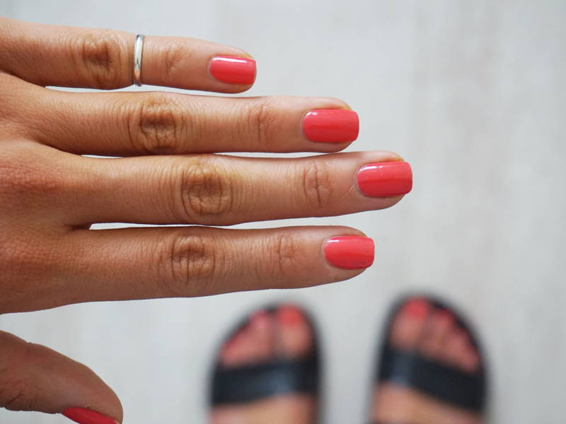 coral red nails