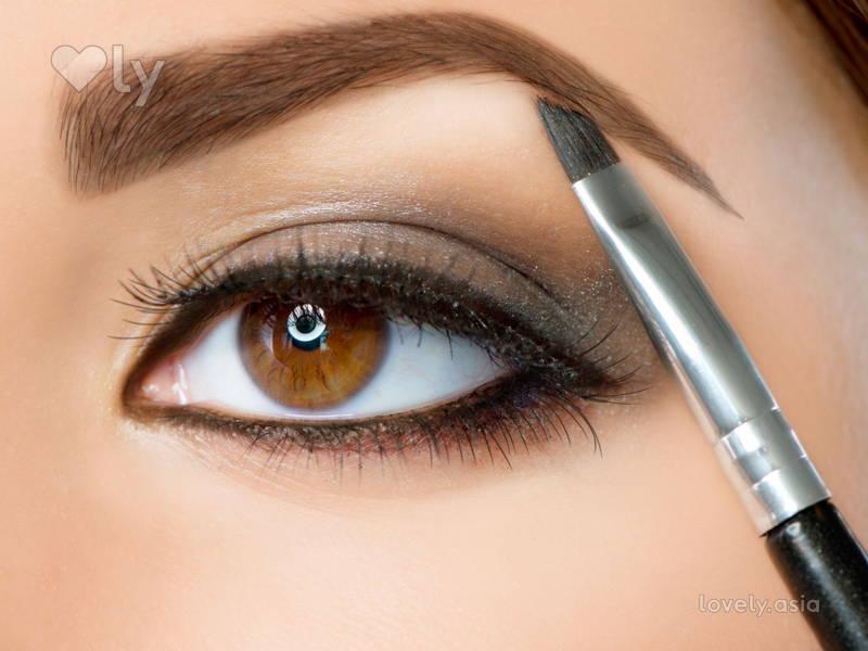 draw eyebrows