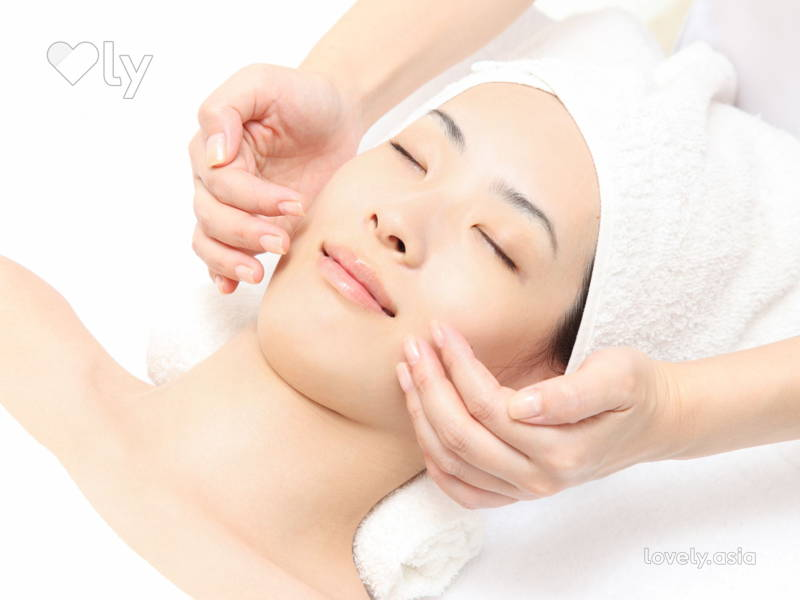 Relaxing Facial
