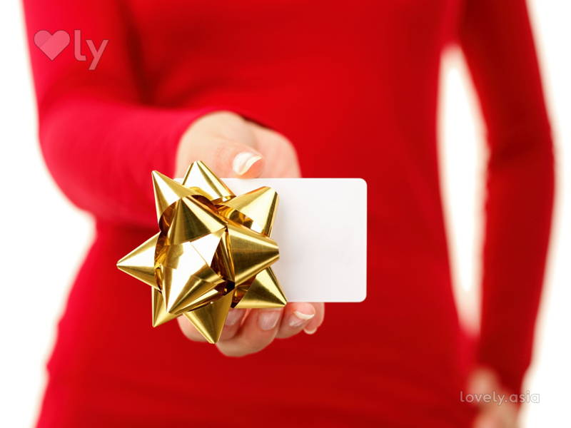 Holiday Gift Cards for Every Type of Friend You Have
