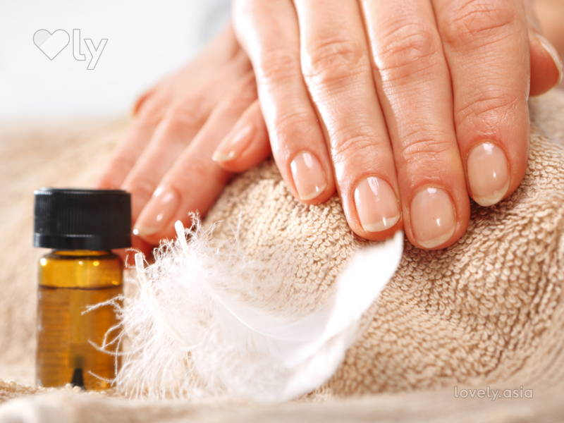 Homemade nail masks for shiny, stain-free nails
