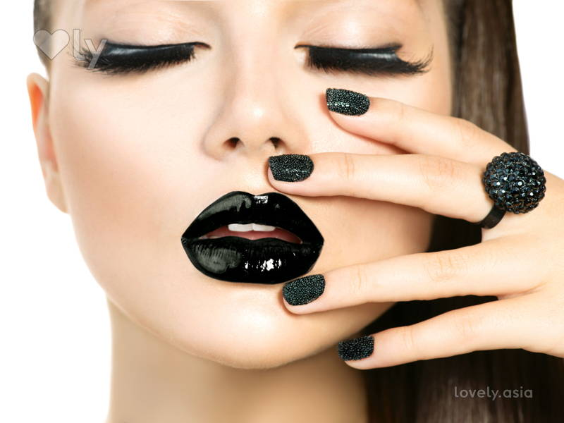 How to Pull off Black Nails Without Looking Goth