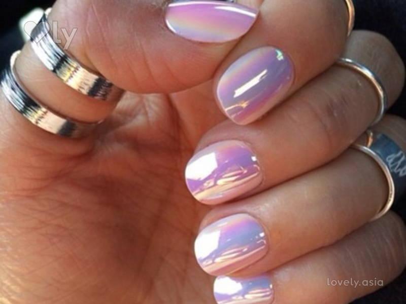 nail iridescent