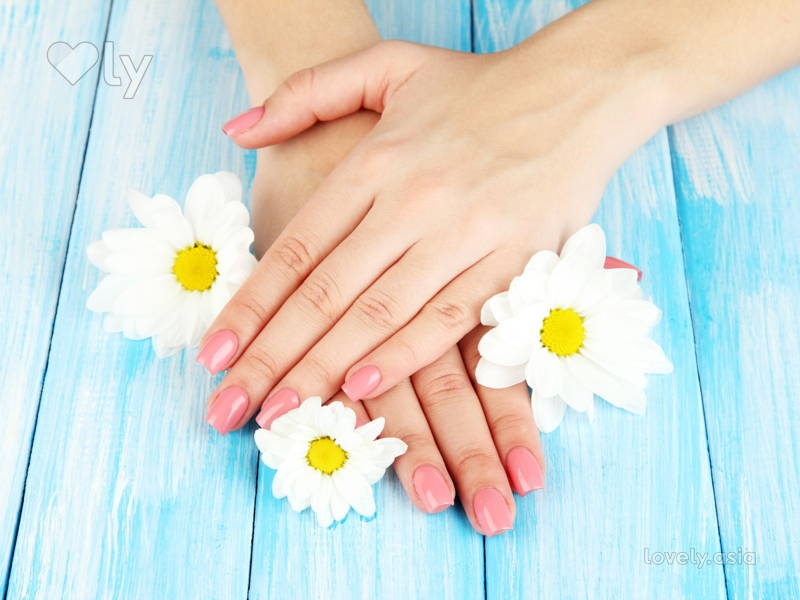 5 Ways You're Damaging Your Nails on a Daily Basis5 Ways You're Damaging Your Nails on a Daily Basis