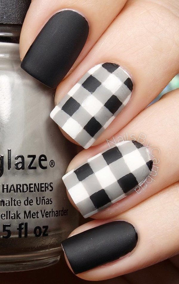 Black matte nails checkered