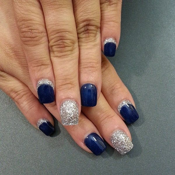 Blue nails glitter accent manicure