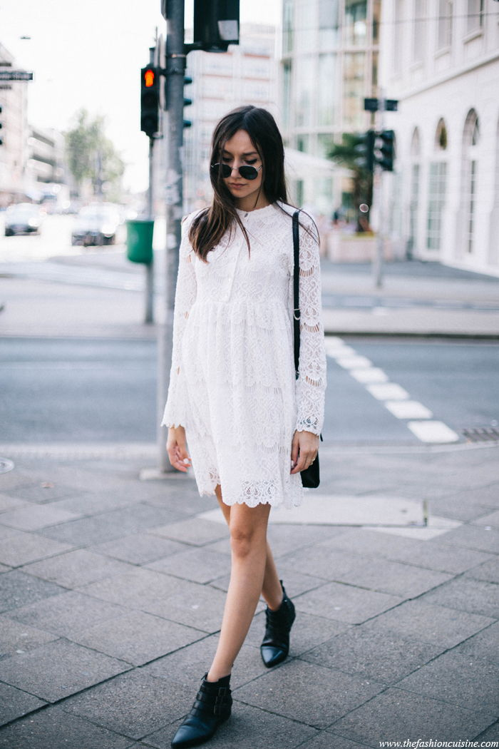 Ankle boots lace dress