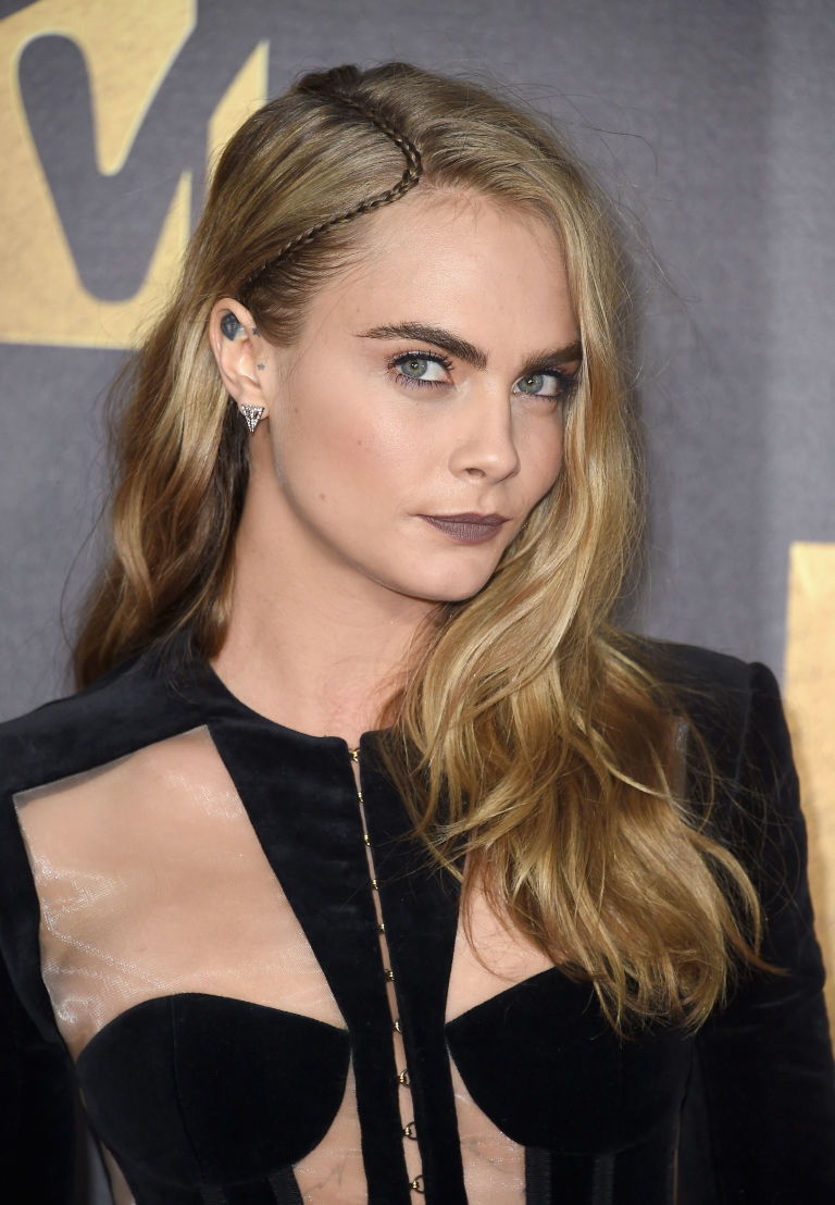 cara-delevingne-hair-mtv-movie-awards-2016