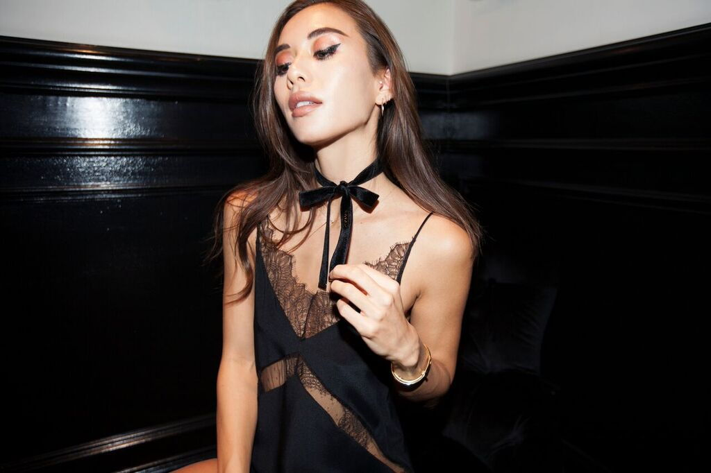 black wrap choker