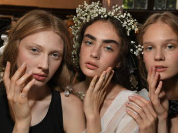 This Nail Artist Created the Ultimate Summer Nail at Paris Haute Couture Week