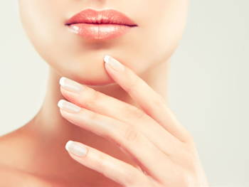 How to Wear Your Natural Nails Like a Pro
