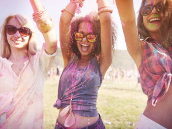 Easy Ways To Look Stylish At A Concert Or Festival