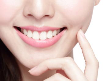The Celebrity Smile on a Budget: How to Achieve White Teeth
