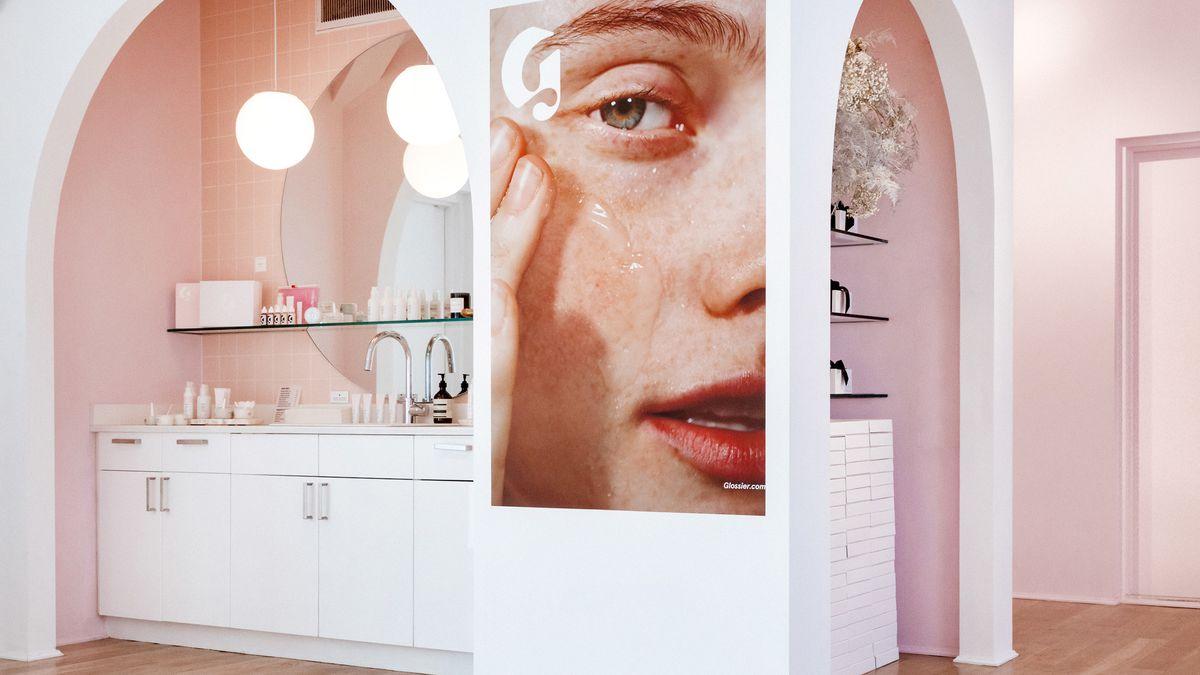 Glossier permanent showroom Future of online luxury retail Luxe Digital