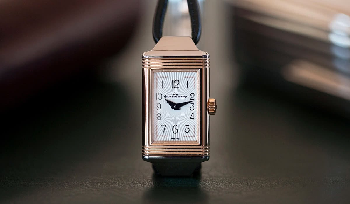 Luxe Digital luxury watch Hodinkee Jaeger Lecoultre Reverso