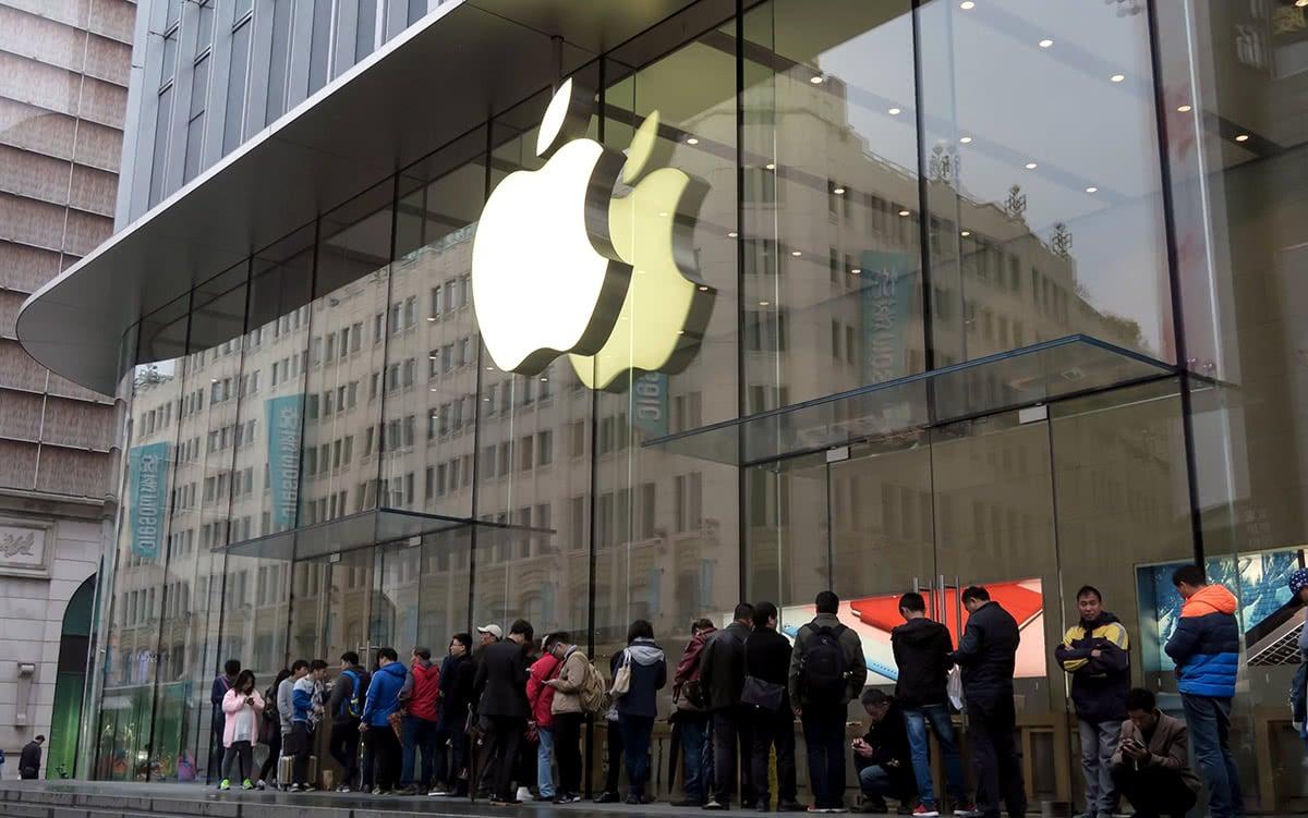 luxury fashion millennials scarcity apple luxe digital