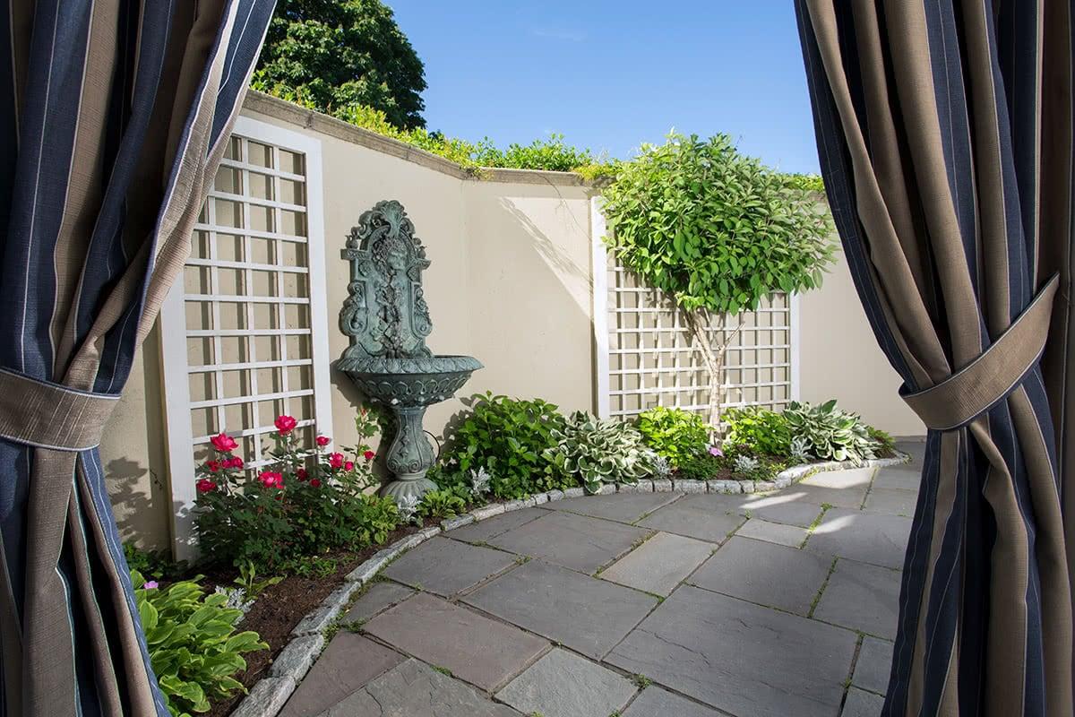 Luxe Digital luxury travel Chanler hotel Newport Rhode Island Martha's Vineyard villa outdoor