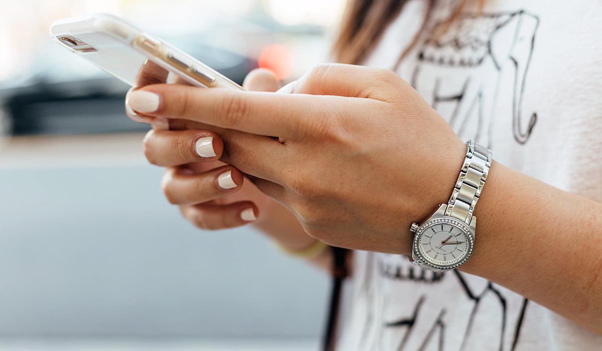 DTC luxury retail Instagram Shopify - Luxe Digital