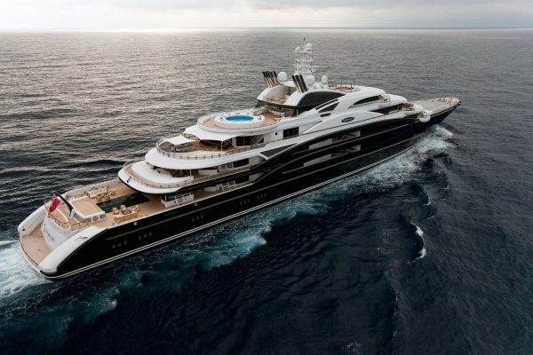 Top 20 Superyachts Luxify