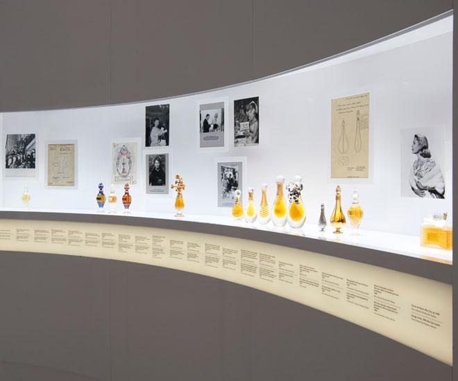 Christian-Dior-exhibit-16