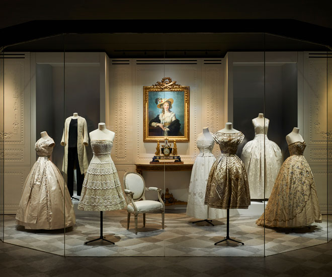 Christian-Dior-exhibit-2