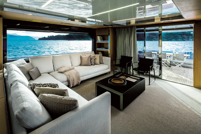 The-huge-glazings-made-the-view-from-the-saloon-just-as-god-as-the-view-from-the-aft-deck