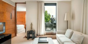 Luxury hotel suites at COMO The Halkin in Belgravia, London