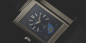 Luxury watches from SIHH 2017: Jaeger-LeCoultre introduces the Reverso Tribute Moon with silver and blue dials