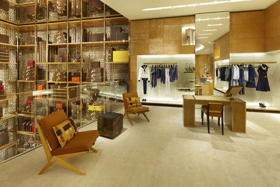 Louis Vuitton Roma Etoile flagship store