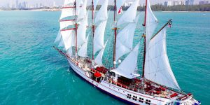 Private yacht charter, corporate events and unique wedding experiences in Singapore, on board the Royal Albatross