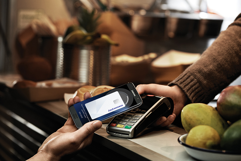 The Samsung Pay feature with the Samsung Galaxy S7 4G+