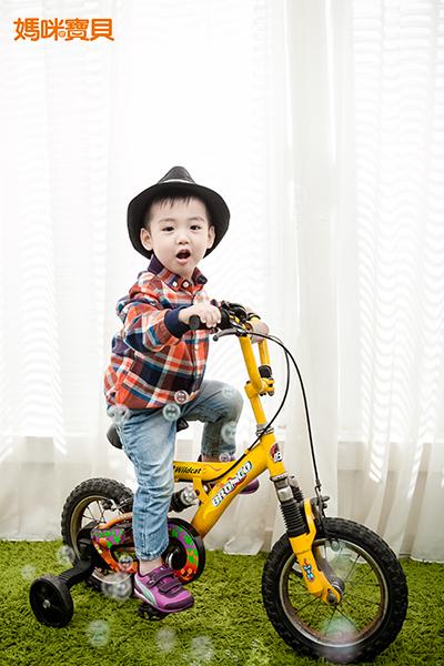 騎自行車可以強化腿部的肌肉及肢體協調