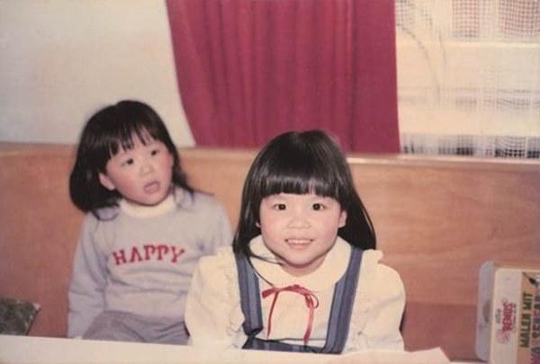 張鈞甯的作家媽媽鄭如晴近期出了一本家庭育兒書,侃侃而談自己的教養觀