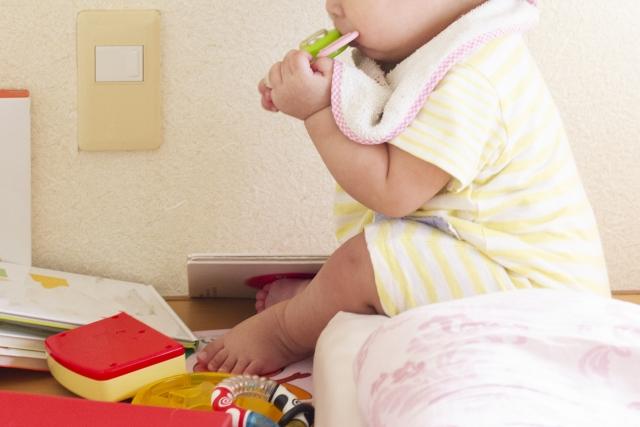 根據統計,超過一半以上的誤食中毒事件發生在6歲以下嬰幼兒,又以口腔期階段的小寶寶最需注意。