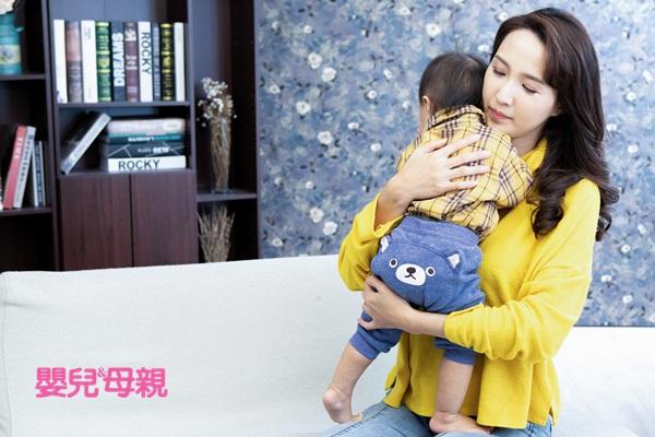 嬰兒哭:如果寶寶因為想要大人抱而哭,也不一定非得立刻抱不可