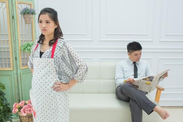 現代女性常因工作與家庭衝突而影響生育意願。