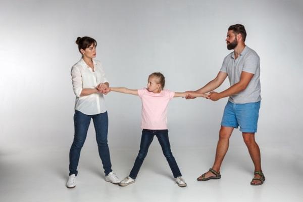伴侶出軌後,孩子該怎麼辦?