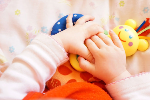寶寶左右腦分化與協同動作