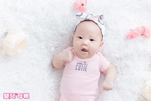 剛出生的嬰兒就會打噴嚏