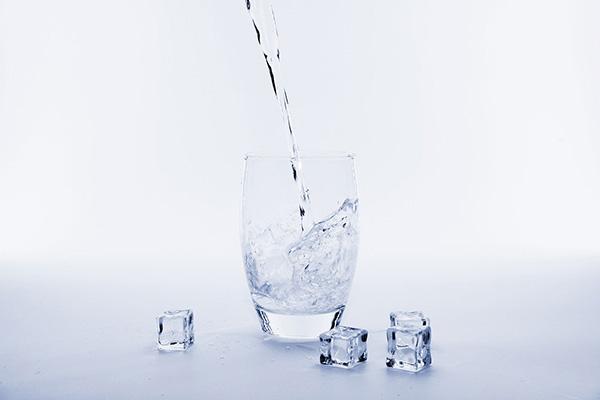 養成寶寶喝水習慣