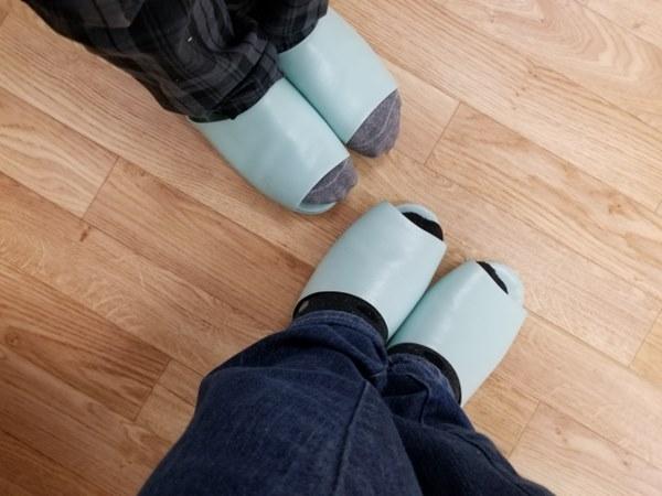 家中若有人得香港腳,請務必要穿自己專屬的拖鞋