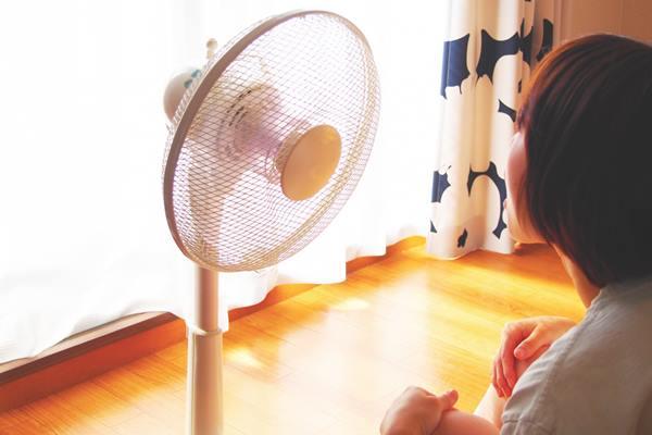 電風扇勿正對著寶寶吹