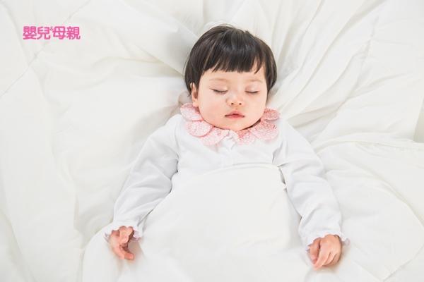 寶寶6個月以後,即可開始做「睡眠訓練」,開始「訓練寶寶睡過夜」與「訓練寶寶自行入睡」