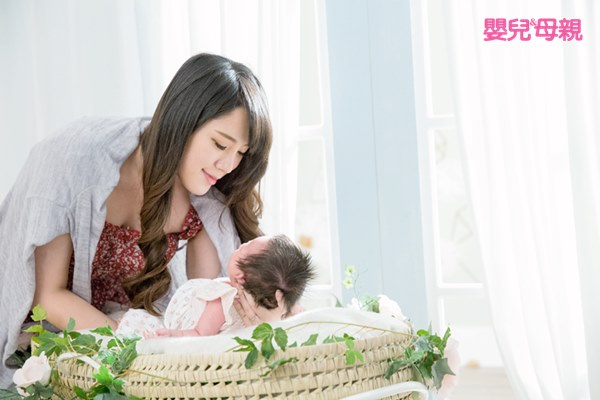 預防嬰兒搖晃症要注意寶寶的頸部支撐