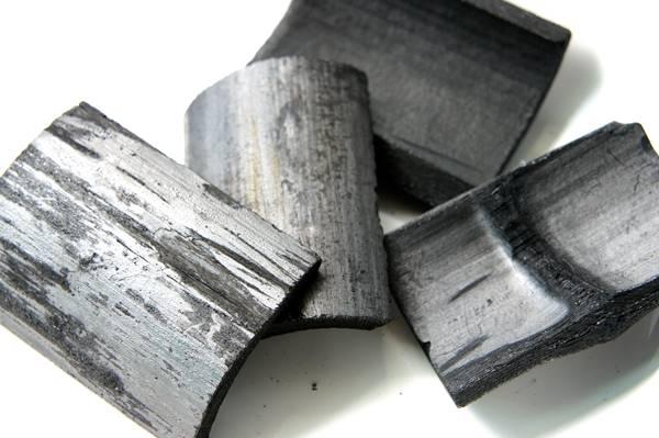 竹炭可消除冰箱異味