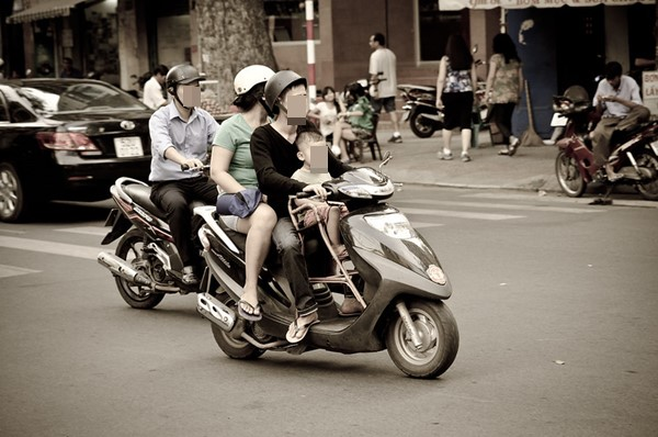 不得不用機車載孩子時,可遵循3大安全守則